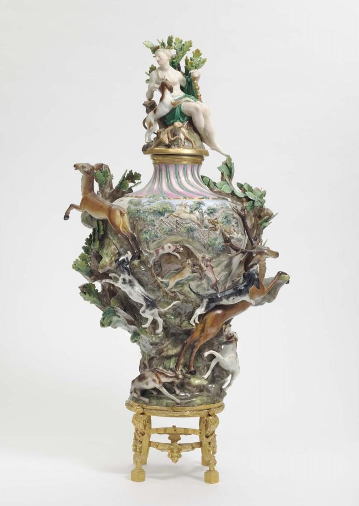 """MEISSEN - Elementen-Vase """"Erde"""", Ende 19. Jh., nach einem Modell von J. J. Kändler, 1740er Jahre"""