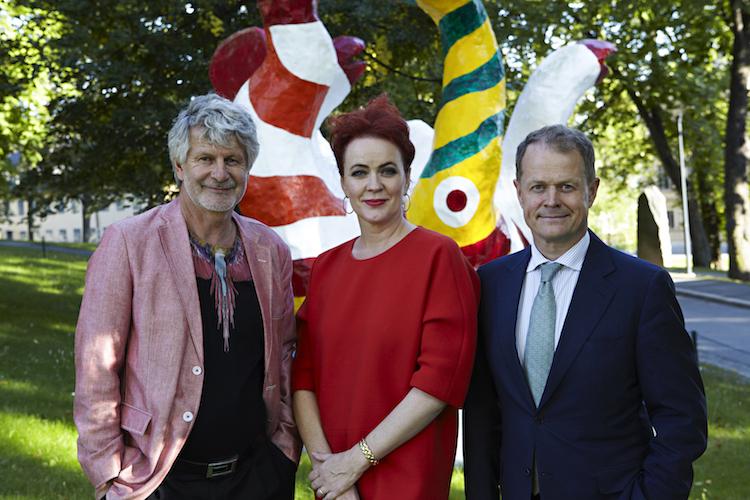 Niclas Forsman tillsammans med Stockholms Auktionsverks nya ägare Bengt Sundström och Mette Rode-Sundström