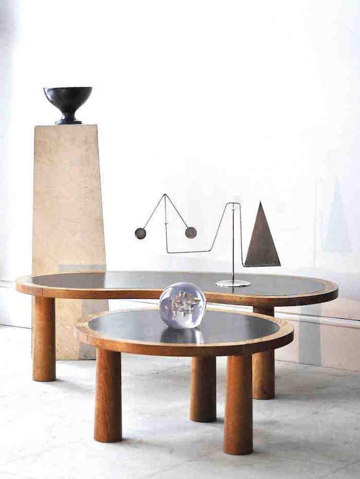 Den organiska 50-60-tals designen blandas upp med linjerna från 20-tal och blanka metaller från 1970-talet