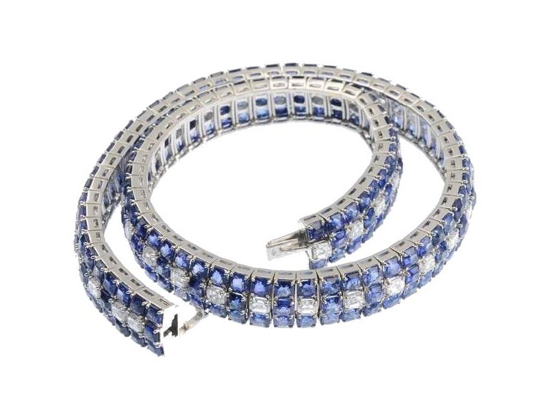MOUAWAD. Collar de zafiros y diamantes