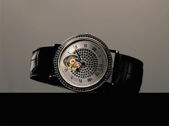 St. Petersburg Collection Watches - Unisex-Armbanduhr Modell 108, Design Theo Fabergé Schätzpreis: 22.000-26.800 EUR