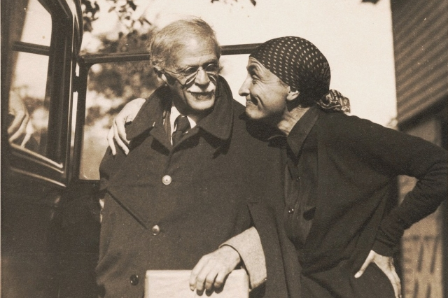 O'Keeffe und Stieglitz | Foto via Yale University
