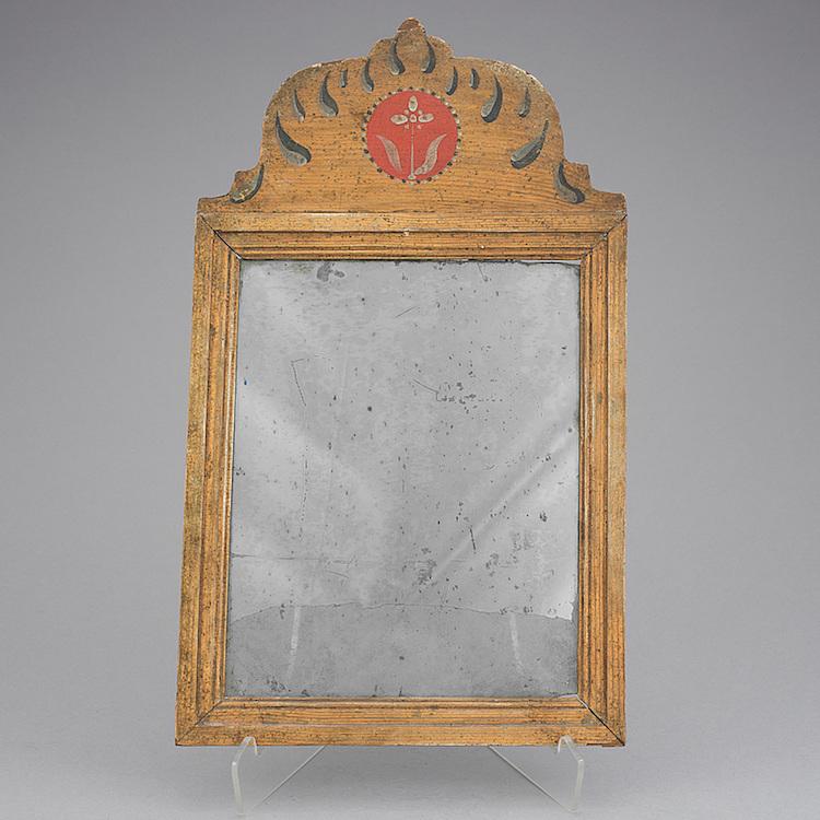 SPEGEL Av Johan Petter Holmberg, Verksam i Stockholm 1813-1831. Änkan drev verkstaden vidare fram till 1835. Utrop: 5000 SEK Bukowskis Market