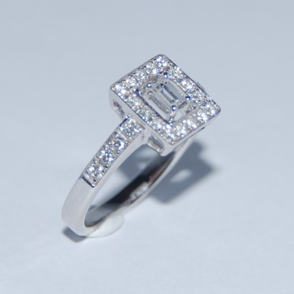 Bague diamants En vente chez Le Beryl d'Or