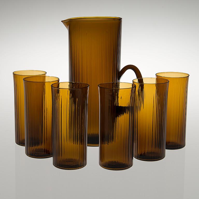 Set de 6 verres et une carafe en vers, c. 1960 Bukowskis Market