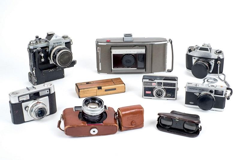 Lote de 8 cámaras fotográficas y unos binoculares LE MIGNONE (S. XIX-XX)