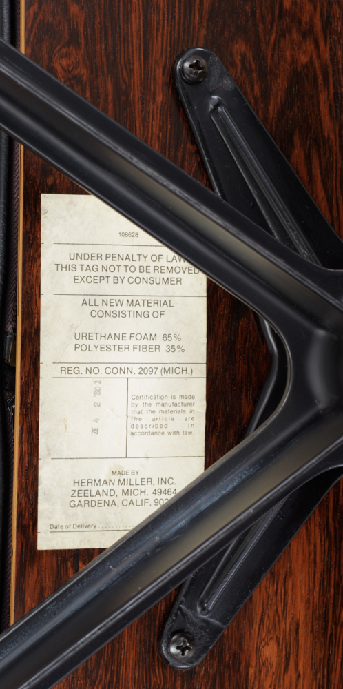 Herman-Miller_Eames_Lounge-&-Ottoman_märkning