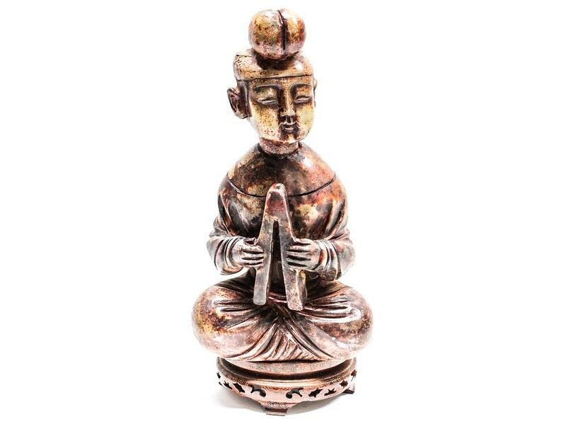 Figura de un músico tallado en jade