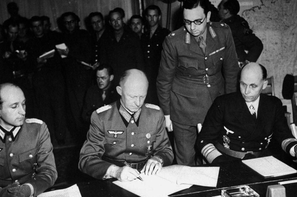 L'accord de capitulation signé par l'allemand Alfred Jodl