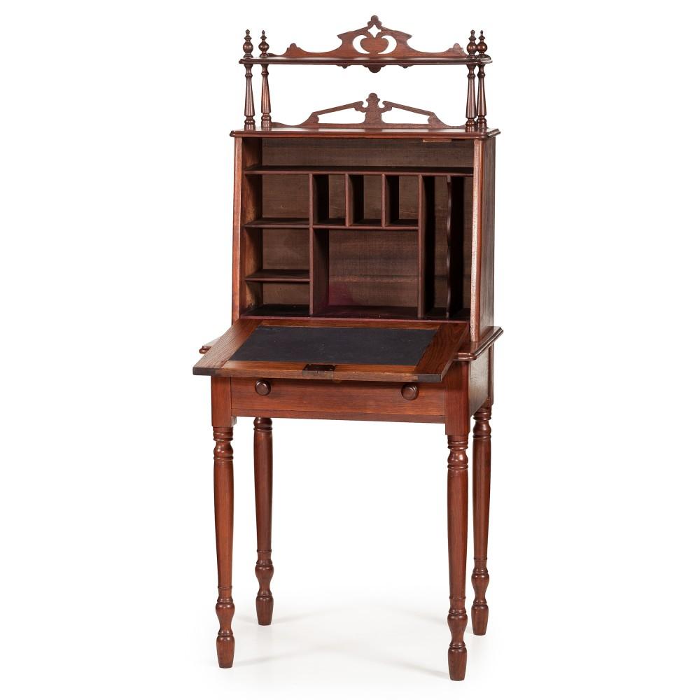Robert E. Lee's desk