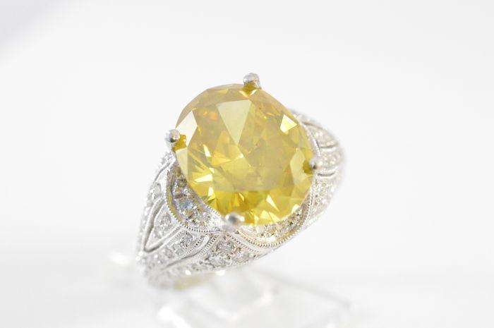 Diamantring, gul diamant, ca 6,00 karat. Utgångspris: 223 000 Sek. Catawiki