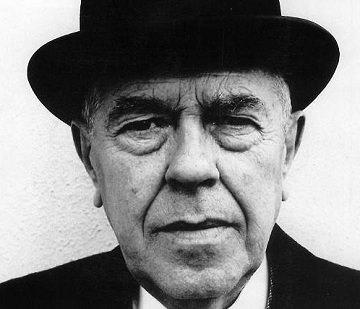 René Magritte | Foto via renemagritte.org
