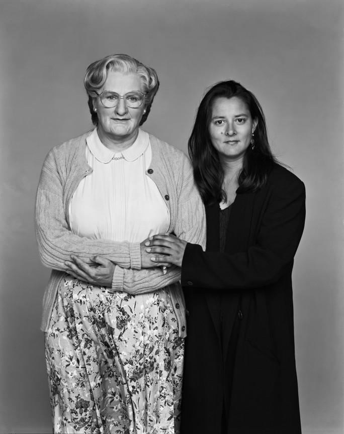 Robin Williams en tant que Madame Doubtfire et Marsha en 1993, image ©Arthur Grace