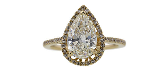 GIA 2.04ct pear cut halo 戒 以 $4,957 售出