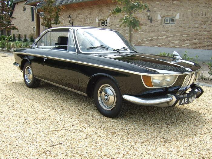 BMW - 2000 CA - 1967. Utropspris: 265 800 - 346 500 kronor. Slutpris: 303 800 kronor.