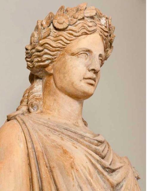 Statue en terre cuite signée de Brault, femme drapée à l'ancienne. Manufacture de Choisy le Roi, XIXe siècle
