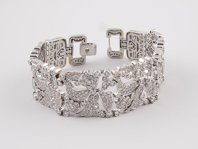 Armband aus Weißgold mit 800 Brillanten Ausruf: 5.000 EUR