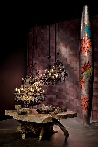 Florero ARA decorado con hojas de plata e incrustaciones de madreperla color rosa
