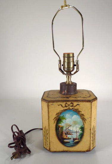 Tea caddie reconverti en lampe iGavel Estimation: 120 €