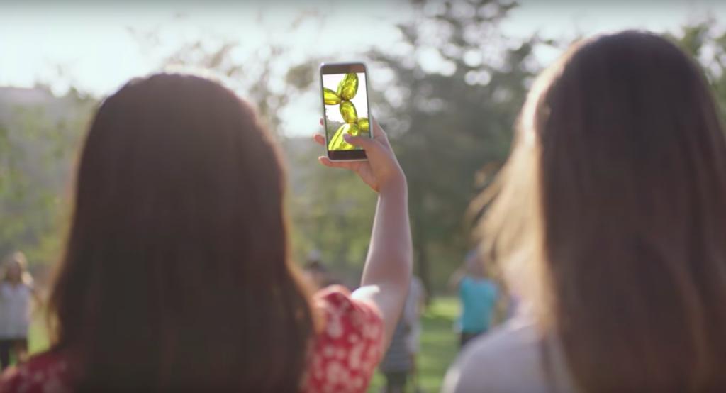 "Jeff Koons ""Balloon Dog"" als erweiterte Realität Foto: Courtesy of Snapchat Art"