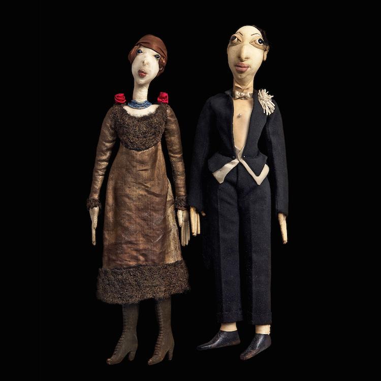 Konstnärsparet Sigrid Hjertén och Isaac Grünewald i dockformat av Marie Vassilieff ropas ut för 100-125 000 kronor
