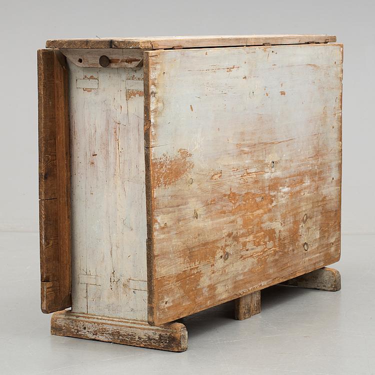 Bukowskis Market ropar ut ett vackert slagbord som utgör en perfekt inramning till ett lyckat kräftkalas. Utrop 4 000 kronor