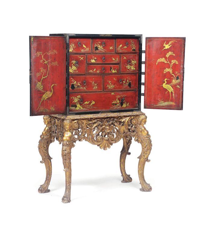 """Cabinet in legno laccato a """"chinoiseries"""" , XVII-XVIII secolo, 85x40x78 cm."""