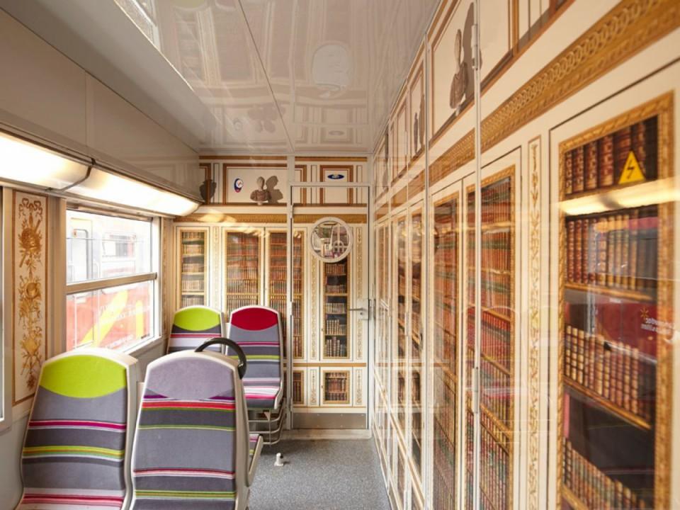 Bibliothèque de Louis XVI, appartement intérieur du roi dans le château © Maxime Huriez