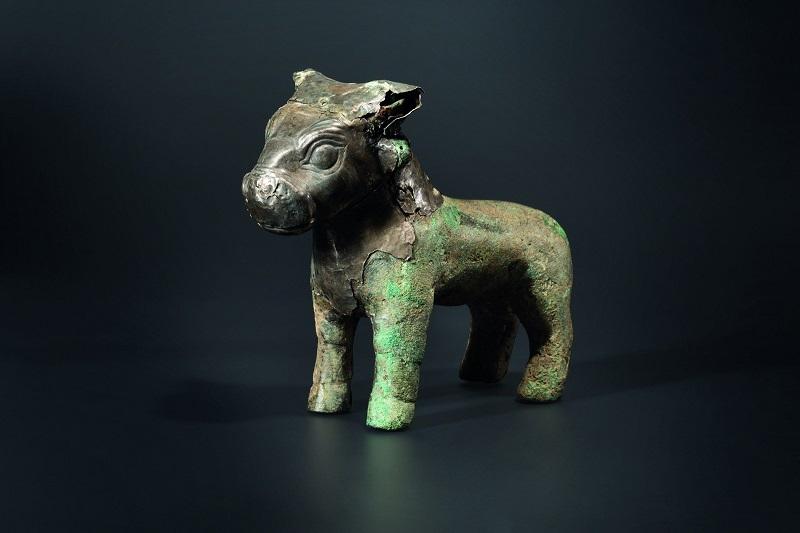 Escultura de plata y bronce de un toro hitita (siglo XVI-XV a.C.). Precio estimado: 20.000 €