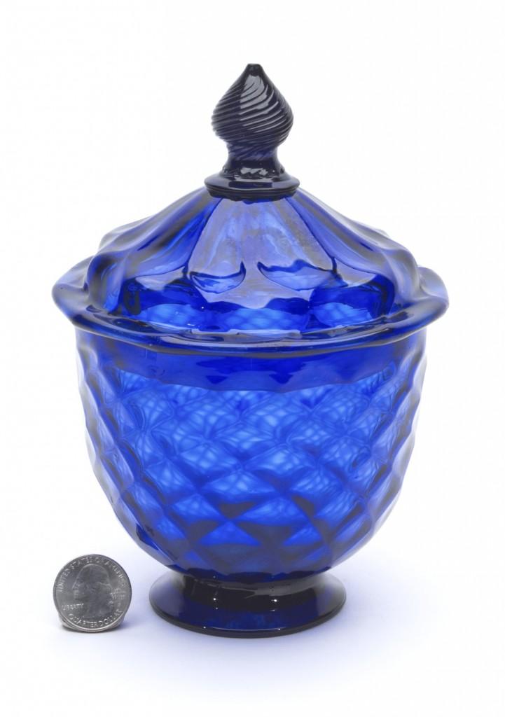 Pattern molded sugar bowl