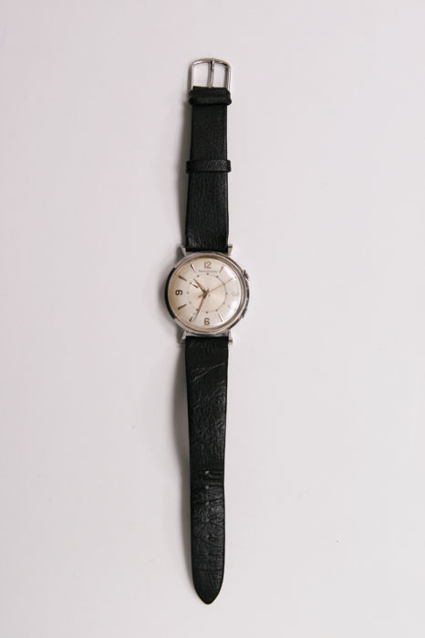 JAEGER-LECOULTRE. Reloj modelo Reverso. Esfera con fondo dorado. Ginebra (1940)