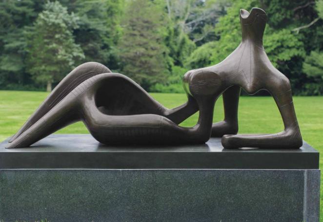 Henry Moore, O.M., C.H. Reclining Figure: Festival Prix réalisé: 32 509 716 dollars