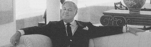 Konstsamlaren A-Alfred Taubman var arkitektutbildad vilket många ansåg var till hjälp när han bedömde konst