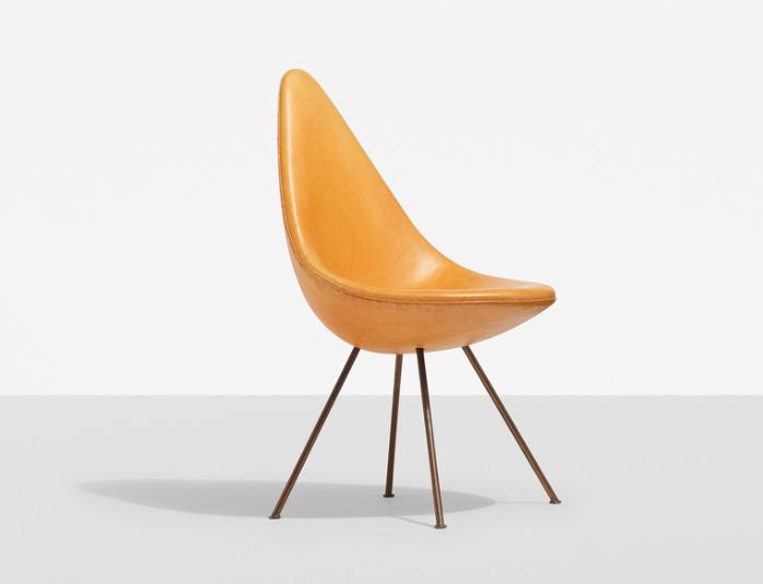 Arne Jacobsen, drop chair från SAS Royal Hotel. Utrop: 41 400 SEK WRIGHT