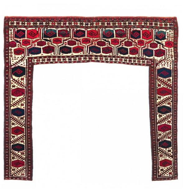 Salor Kapunuk, Wolle/Seide, 128 x 136 cm, Turkmenistan, Mitte 19. Jhdt. Schätzpreis: 35.000 - 45.000 EUR