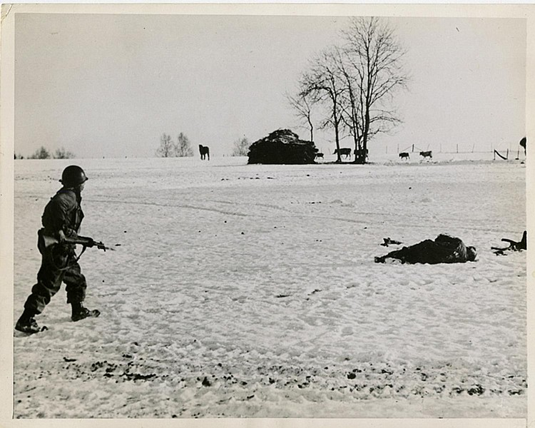 "ROBERT CAPA. ""Snowy field"". Bastogne (1945). Photo: Be-Hold."