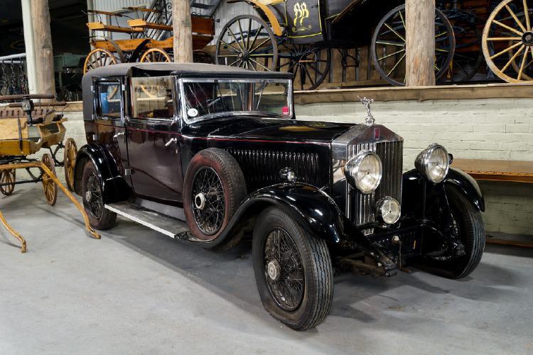 """Rolls-Royce, """"Ghosthawk 25/30,"""" år 1931. Foto: Helsingborgs Auktionsverk."""