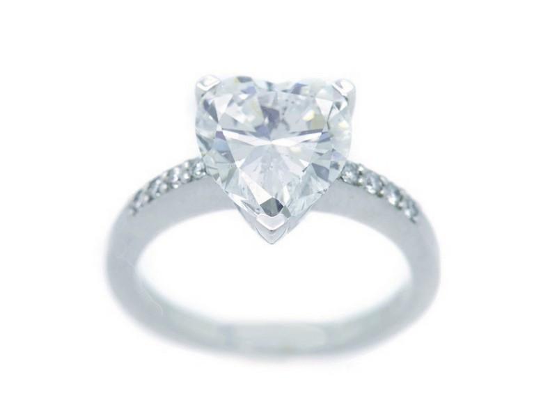 Sortija con diamantes