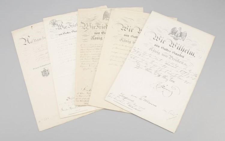 Preußische Könige. 6 Urkunden der Familie Kretzschmer. Mindestgebot: 600 EUR