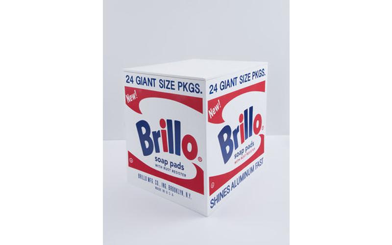 Andy Warhol, « Brillo Box », 2016, peinture polymère synthétique et encre sérigraphiée sur contreplaqué, image ©Alyes Auctions