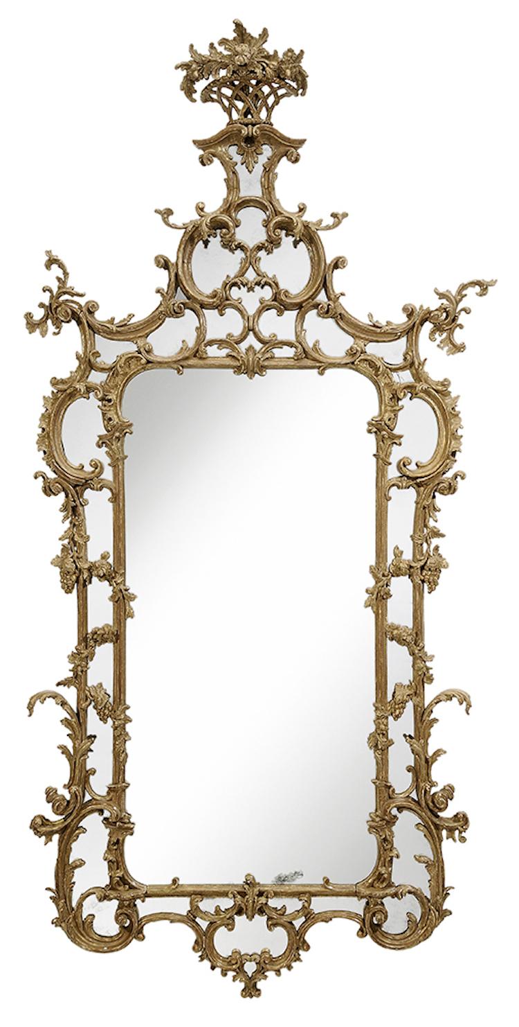 Vacker spegel i förgyllt trä. Brittisk, från cirka 1775. Utropspris 258 000 SEK, Brunk Auctions