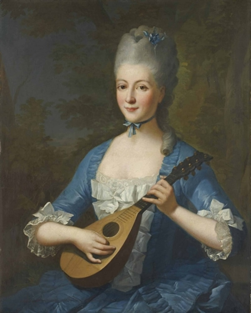 Mujer con mandolina