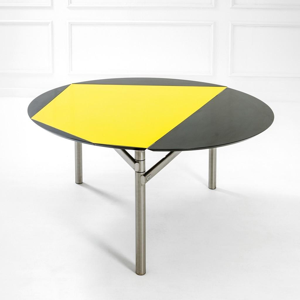 Table de la collection ABV, structure en acier tubulaire chromé, plateau en bois laqué, produite par Tecno, 1983-1991