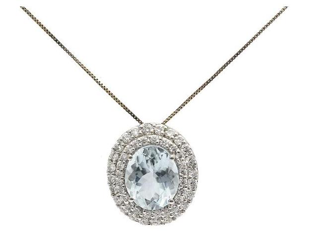Hänge/kedja i 18K vitguld med ovalslipad akvamarin och, 48 briljantslipade diamanter.