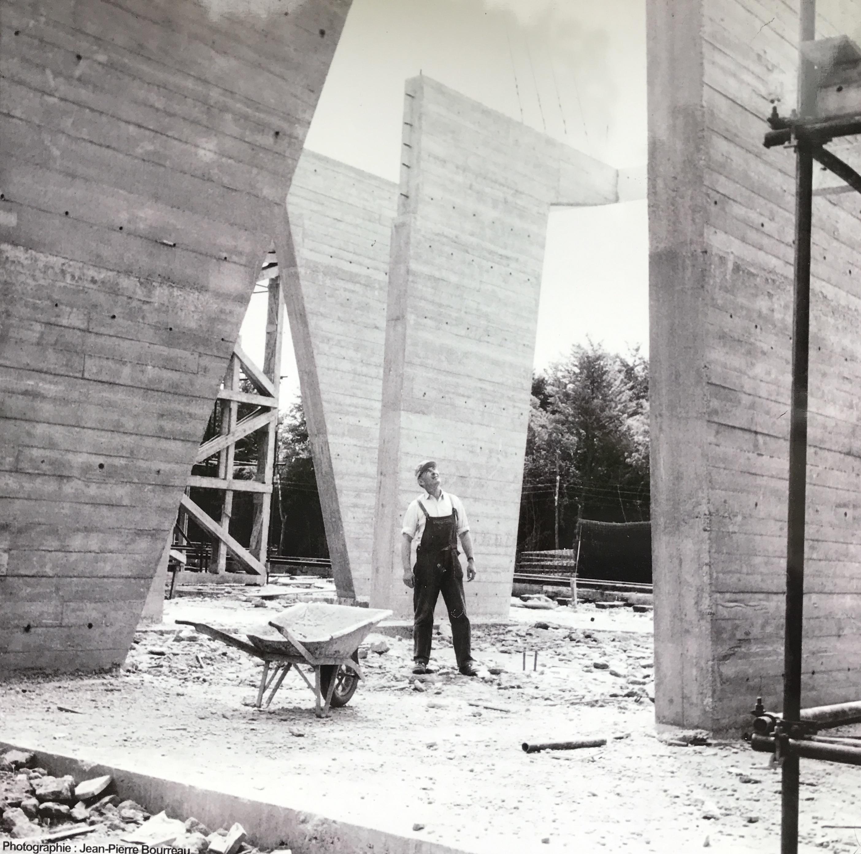 Construction de la Cité radieuse, image via Lux-Auction