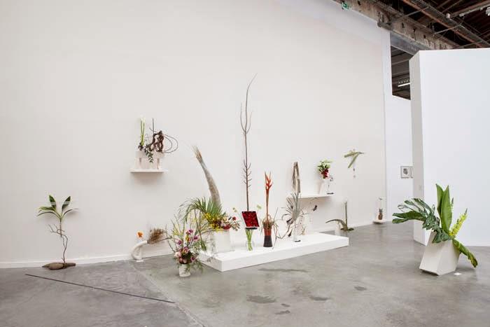 """Una veduta della mostra """"The Restless Earth"""" di Camille Henrot."""
