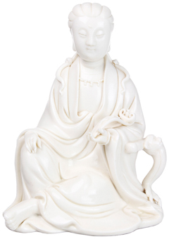Sculpture en porcelaine Blanc de Chine de Kwan Yin avec sceptre Ruyi, 19ème siècle MPO Auctions