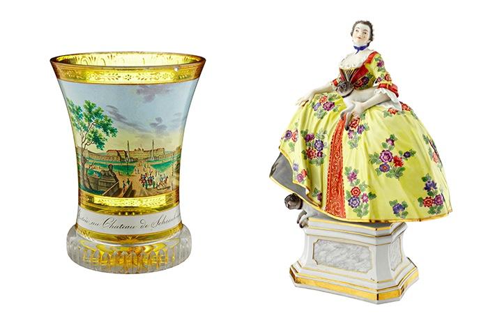 """Links: Ranftbecher mit Darstellung und Bezeichnung """"Entrée au Chateau de Schoenbrunn"""", wohl ANTON KOTHGASSER, Wien 19. Jh. Rechts: MEISSEN Dame vom Mopsorden, Entwurf J. J. Kändler 1744, Ausformung um 1900"""