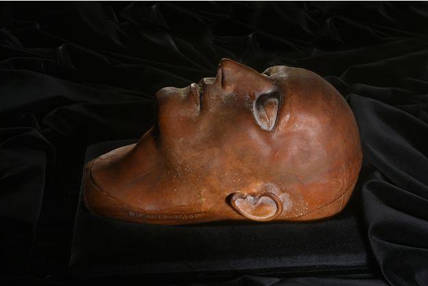 Masque mortuaire, image ©