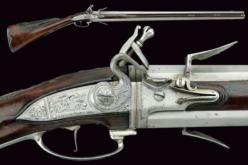 "A over and under double-barrelled flintlock shotgun signed ""Cousin au Chateau de Rambouillet"". Low estimate: 6 600 USD"